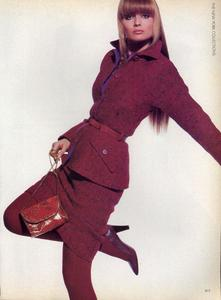 Penn_Vogue_US_September_1985_04.thumb.jpg.2e0b972eba5b68025b6bf20ed18ebc6d.jpg