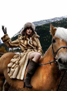 Jana Gafelova cheval.jpg