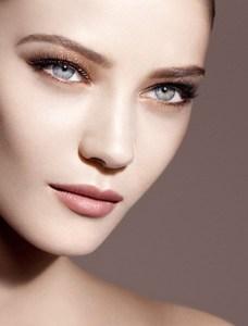 Giorgio_Armani_Fall_2014_Makeup_Collection.thumb.jpg.89e511500724c895dfc587d5147b40db.jpg