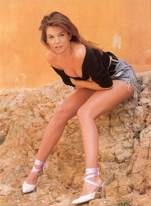 Veronika Loubry9.jpg