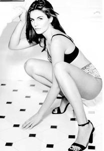 Veronika Loubry456.jpg
