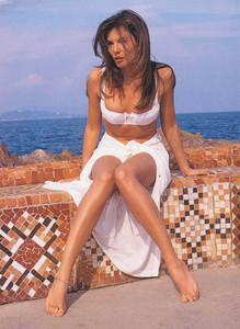 Veronika Loubry6.jpg