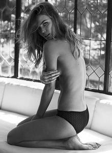 Emily Gillies9.jpg