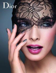 Dior-Spring-Look-campaign.thumb.jpg.5871a4e5b1ff913c61556b5be3dd4cf3.jpg