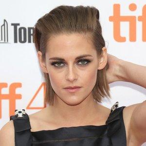 Kristen-Stewart-Quotes-About-Robert-Pattinson-March-2017.jpg