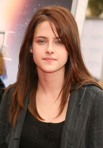 02-kristen-stewart-birthday-beauty.jpg