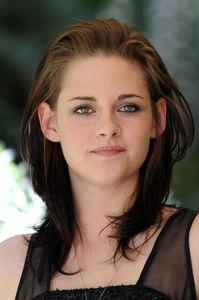 Kristen-Stewart (1).jpg