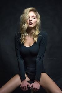 Laura Fox47.jpg