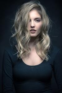 Laura Fox 4.jpg