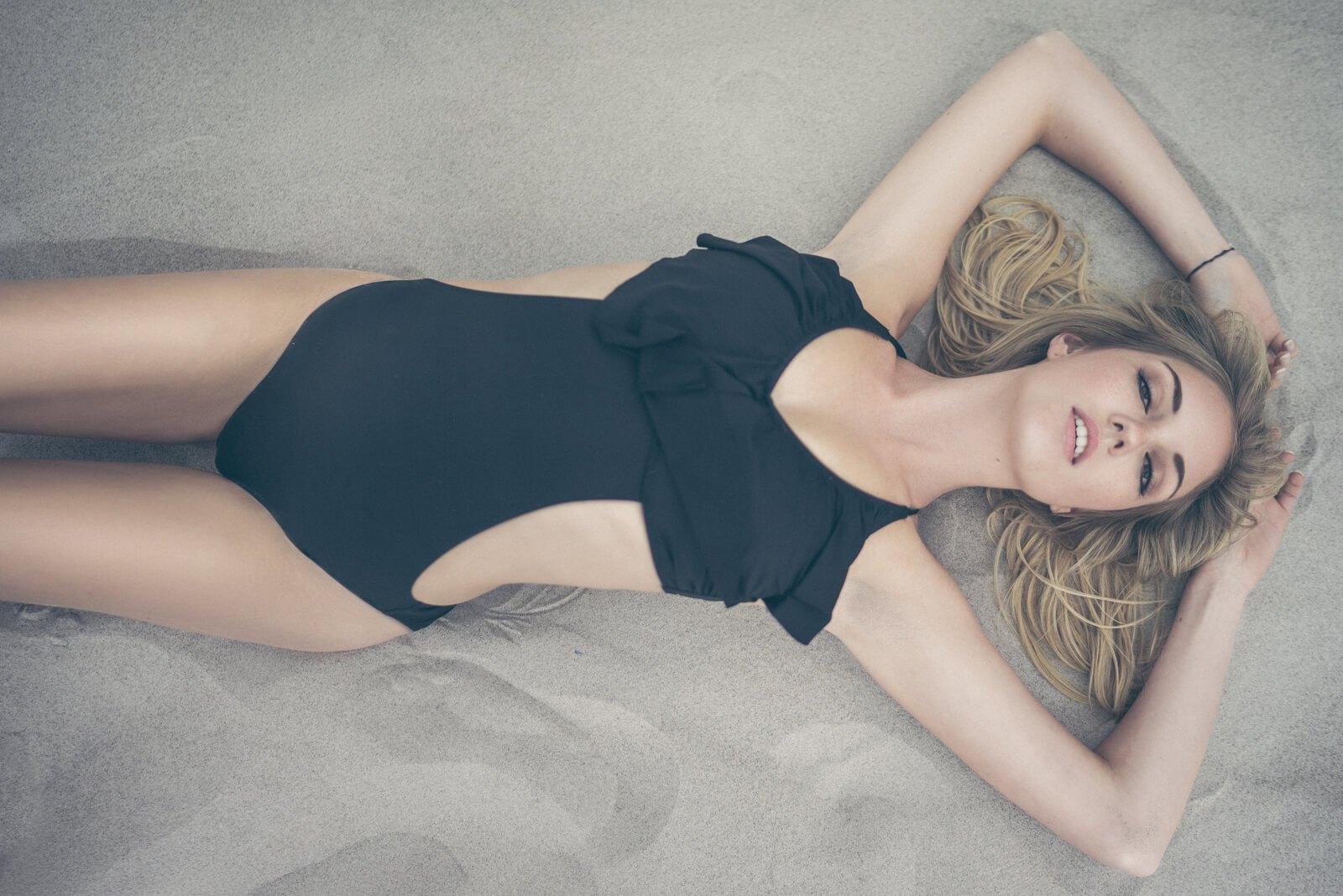 Laura Fox6.jpg