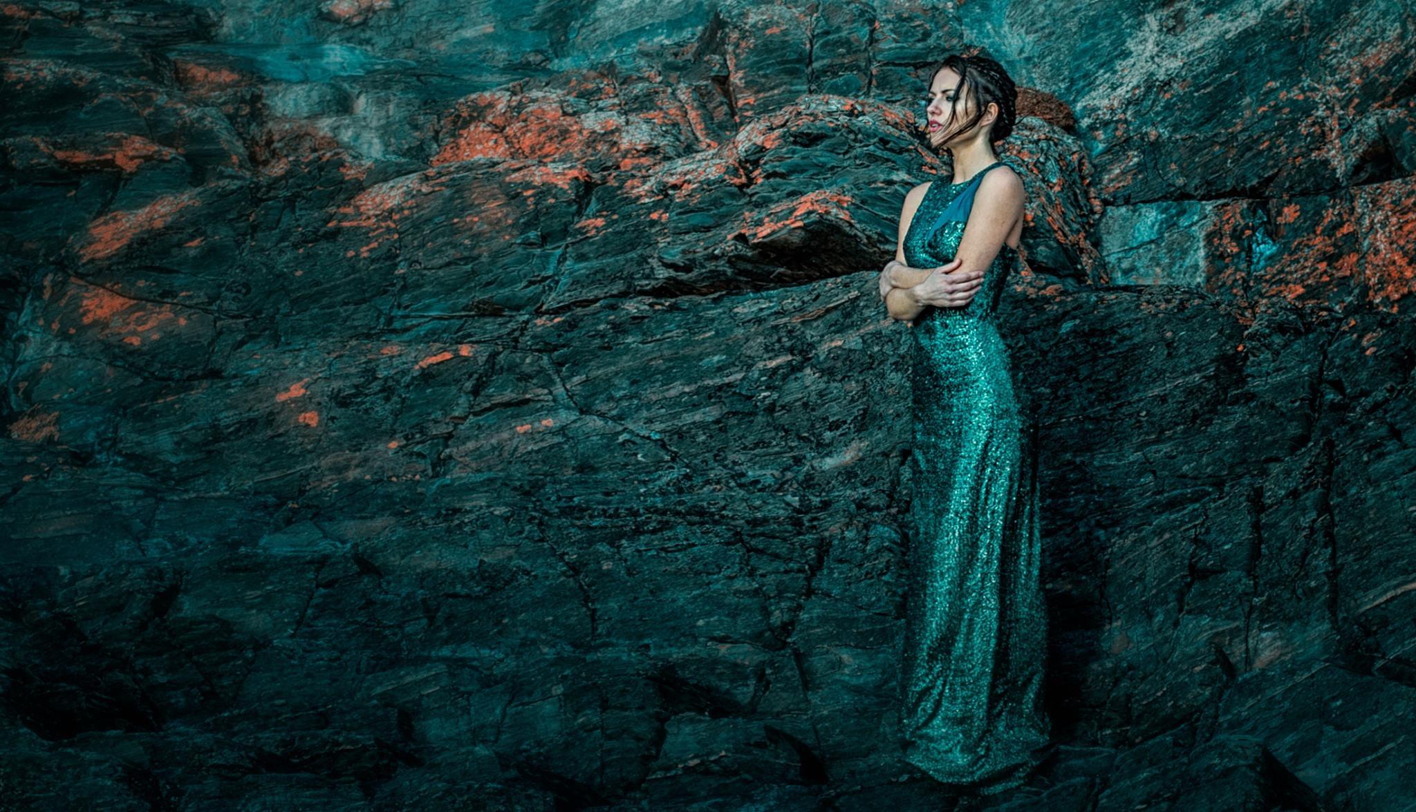 Anna Clough edito.jpg