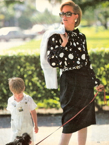 Elgort_Vogue_US_May_1983_06.thumb.jpg.8f30fc18caa5ca89bbac796c309ad6eb.jpg