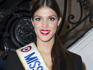 Iris-Mittenaere-Miss-France-2016-a-un-peche-mignon-!-Devinez-lequel.jpg