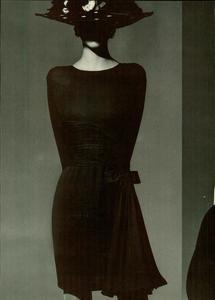 Klein_Vogue_Italia_March_1988_05.thumb.jpg.f9667323474852eee4174672d84e9c1d.jpg
