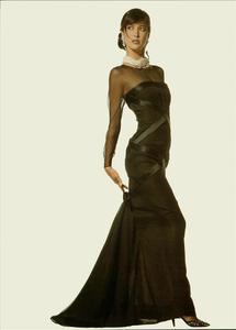 Klein_Vogue_Italia_March_1988_08.thumb.jpg.b3b06bd2978c988d0a9b5ffe87448c21.jpg