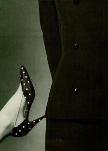 Klein_Vogue_Italia_March_1988_11.thumb.jpg.c0306cda39bba42a76dbe374d6567b8c.jpg