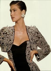 Klein_Vogue_Italia_March_1988_14.thumb.jpg.6539ba9cf3e43ea549771154bf0cecdb.jpg