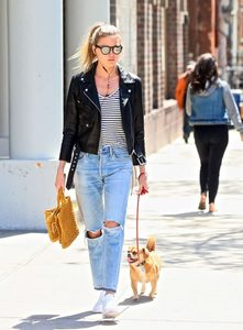 Martha-Hunt-in-Black-Leather-Jacket--08-662x895.jpg
