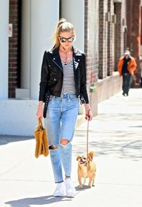Martha-Hunt-in-Black-Leather-Jacket--11-662x960.jpg