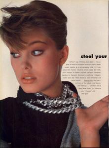 Stern_Vogue_US_March_1983_05.thumb.jpg.d16a09ebdc6ed4a7513aa8ad70dcb4fc.jpg