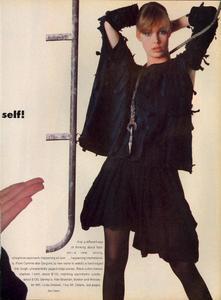 Stern_Vogue_US_March_1983_06.thumb.jpg.8480b07ec86c7902c3298a50d17abd7d.jpg