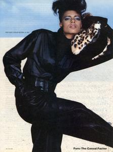 Varriale_Vogue_US_November_1983_10.thumb.jpg.27d2e9daadbd53f66b1b530826e2166b.jpg