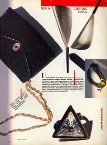 Vogue_US_November_1982_05.thumb.jpg.97de9bd4eabc7a5b2c349ddd11fadc96.jpg