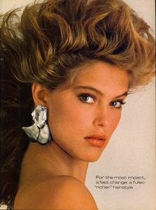 Vogue_US_November_1984_04.thumb.jpg.74b01cdbe3909ca7ba435316553f8f6c.jpg