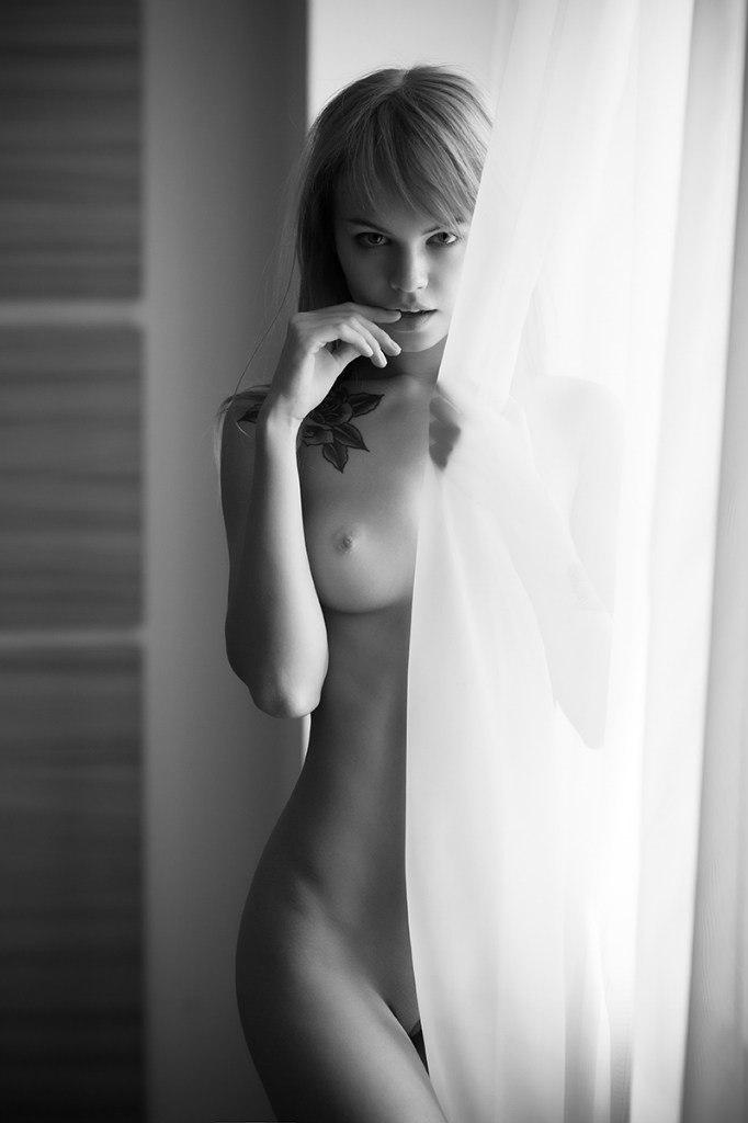 soplivie-golie-modeli-krasotki-s-uprugim-telom