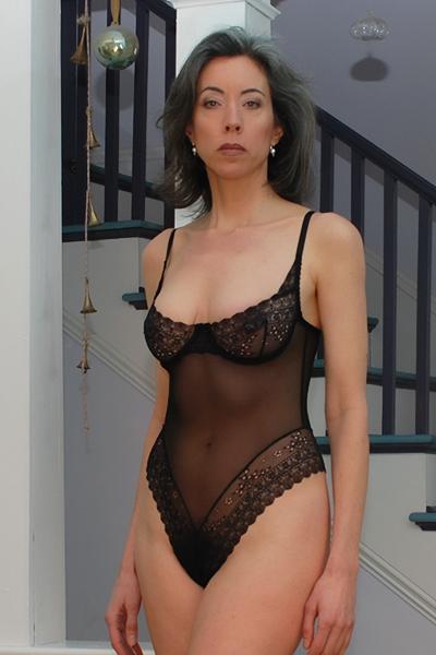 Emma Heart sexy lesbian