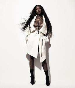 es-magazine-may-2017-naomi-campbell-by-thierry-le-goues-04.jpg