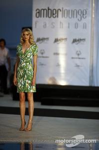 f1-monaco-gp-2012-the-amber-lounge-fashion-show.jpg