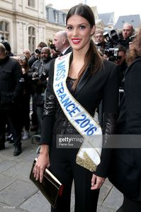 iris-mittenaere-arrives-at-the-jean-paul-gaultier-haute-couture-picture-id507064968.jpg