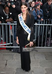 iris-mittenaere-arrives-at-the-jean-paul-gaultier-spring-summer-2016-picture-id507097112.jpg