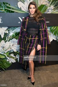 iris-mittenaere-attends-e-elle-img-fashion-week-kickoff-on-february-8-picture-id634316810.jpg