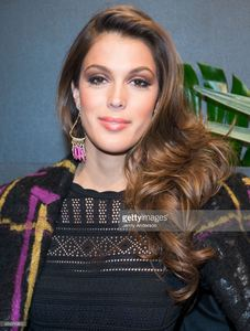 iris-mittenaere-attends-e-elle-img-fashion-week-kickoff-on-february-8-picture-id634316822.jpg