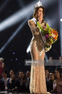 iris-mittenaere-miss-france-2016-is-crowned-miss-universe-at-the-the-picture-id651039086.jpg