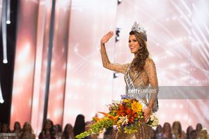 iris-mittenaere-miss-france-2016-is-crowned-miss-universe-at-the-the-picture-id651039122.jpg