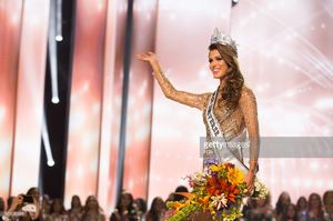 iris-mittenaere-miss-france-2016-is-crowned-miss-universe-at-the-the-picture-id651039148.jpg