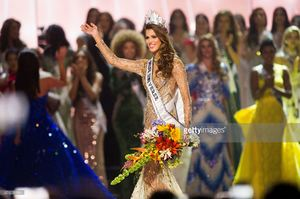 iris-mittenaere-miss-france-2016-is-crowned-miss-universe-at-the-the-picture-id651039184.jpg