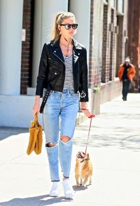 martha-hunt-out-and-about-in-new-york-05-04-2017_4.jpg