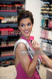 miss-universe-2017-iris-mittenaere-attends-for-the-presentation-of-picture-id654362950.jpg