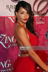 modeltv-personality-nabilla-benattia-attends-the-8th-annual-kandyland-picture-id176729846.jpg