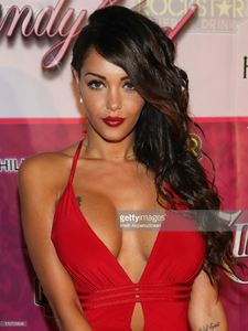modeltv-personality-nabilla-benattia-attends-the-8th-annual-kandyland-picture-id176729848.jpg