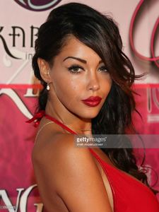 modeltv-personality-nabilla-benattia-attends-the-8th-annual-kandyland-picture-id176729853.jpg