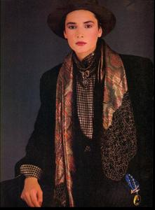 Blanch_Vogue_US_September_1984_05.thumb.jpg.b1f42c9c39e1de5c0f98c989ea802e5d.jpg