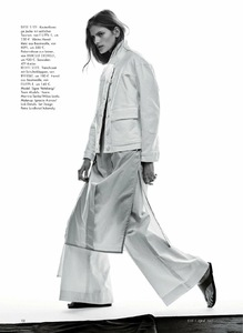 Elle_Germany_April_2017_FreeMags.cc__dragged__2-page5.jpg