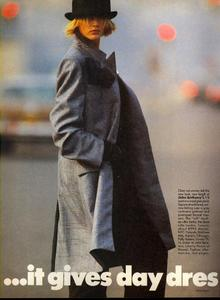Feurer_Vogue_US_September_1984_05.thumb.jpg.634511ed0deb43c51bf60e88312ce9aa.jpg