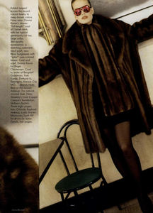 Metzner_Vogue_US_November_1987_02.thumb.jpg.218664d0e0acbf398202ef38ac5b5900.jpg