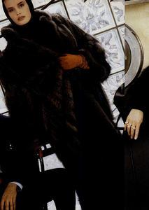 Metzner_Vogue_US_November_1987_03.thumb.jpg.cbfc7e89fe3fc6f43cc28486d5c4990d.jpg